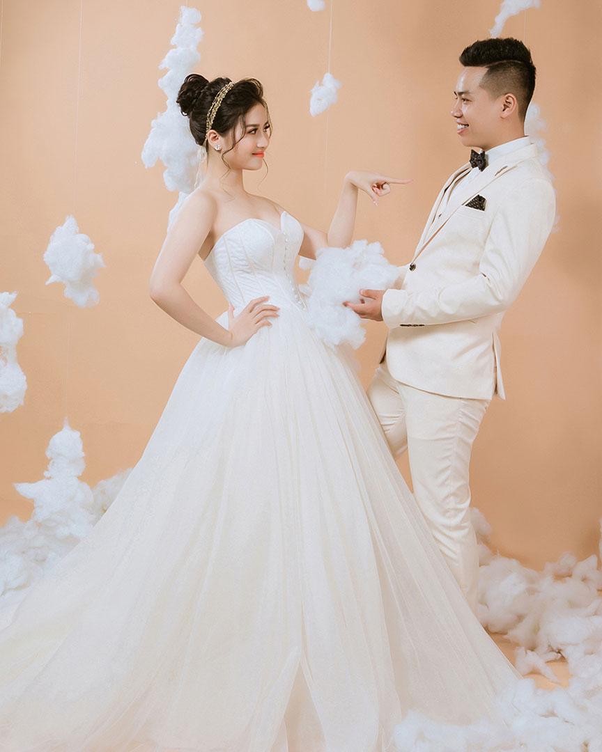 Chụp ảnh cưới studio trọn gói BachTuyet Bridal
