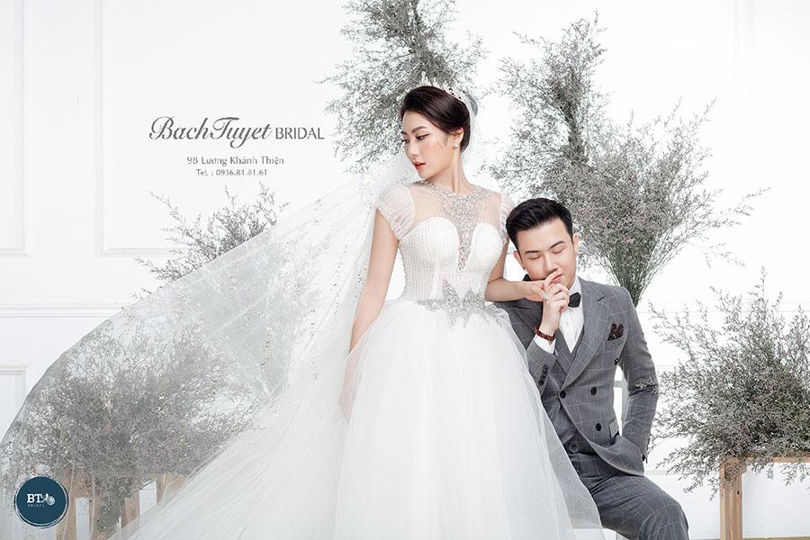 Kiểu chụp ảnh cưới trong Studio
