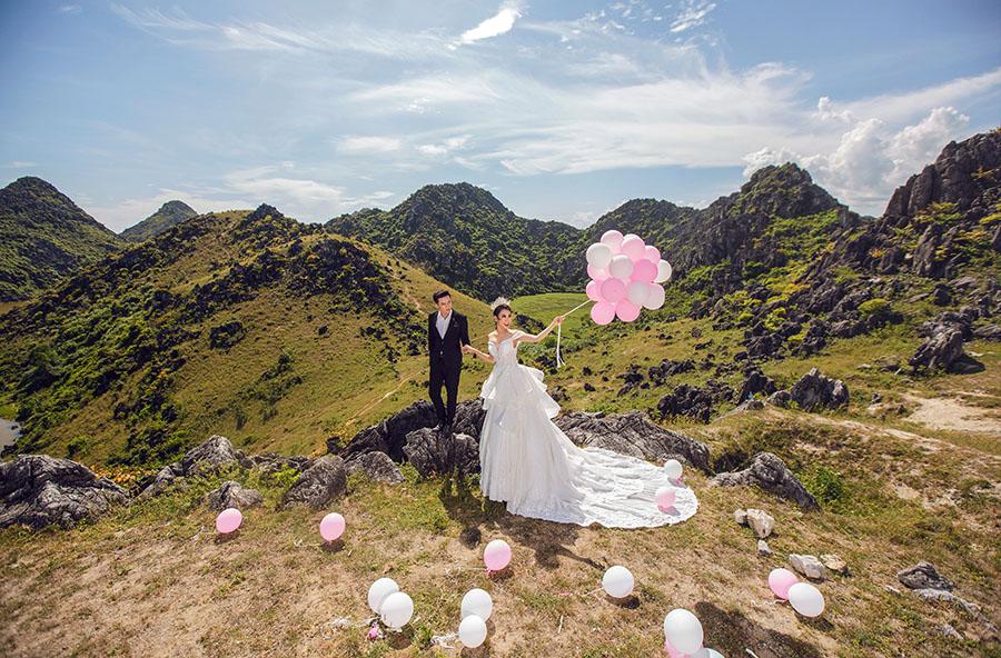 ý tưởng chụp ảnh cưới ngoại cảnh với bóng bay