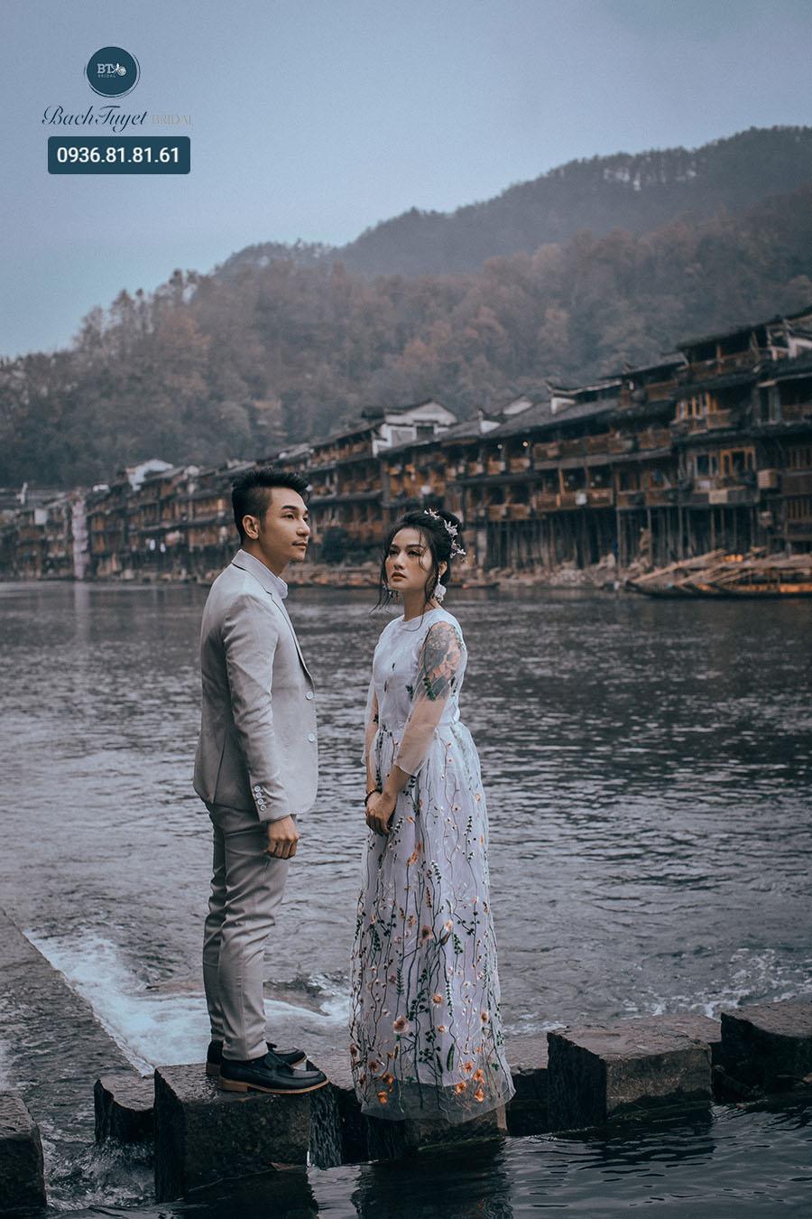 Ảnh cưới ở Phượng Hoàng Cổ Trấn