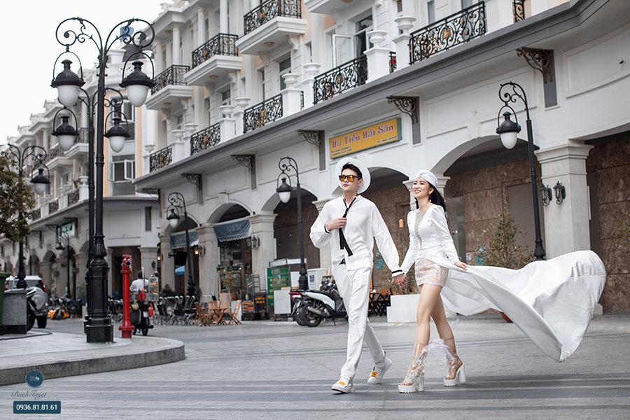 Ảnh cưới đường phố hiện đại