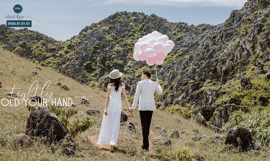 Chụp ảnh cưới ở hang động