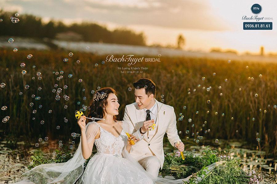 Chụp ảnh cưới tại Tràng An
