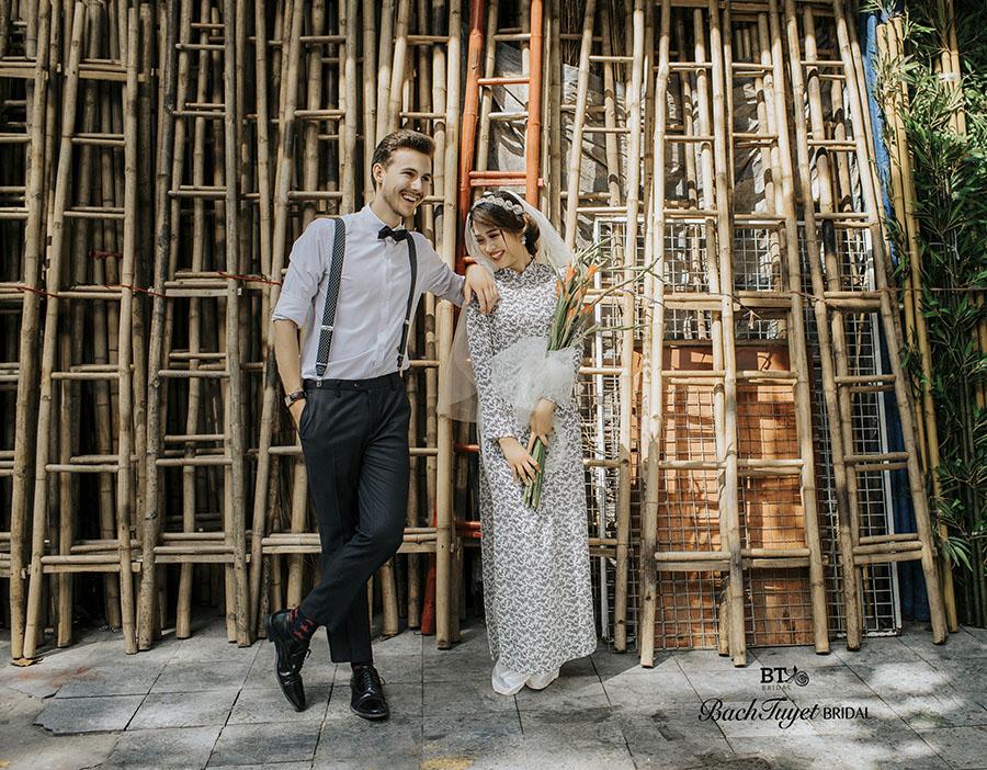 Trang phục chụp ảnh cưới phố cổ