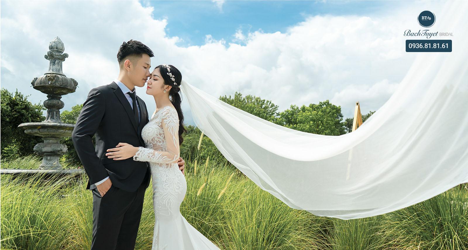 Gợi ý cách tạo dáng chụp ảnh cưới chú rể đơn giản, tự nhiên, tinh tế