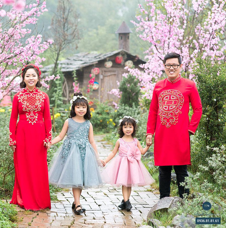 Chụp ảnh cưới gia đình với áo dài