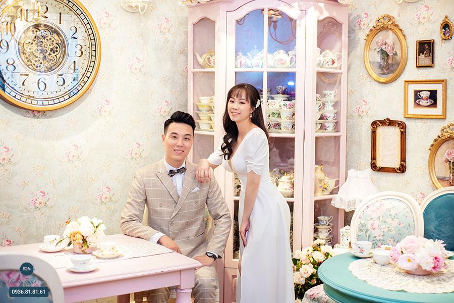 Chụp ảnh cưới lãng mạn với ý tưởng trà chiều