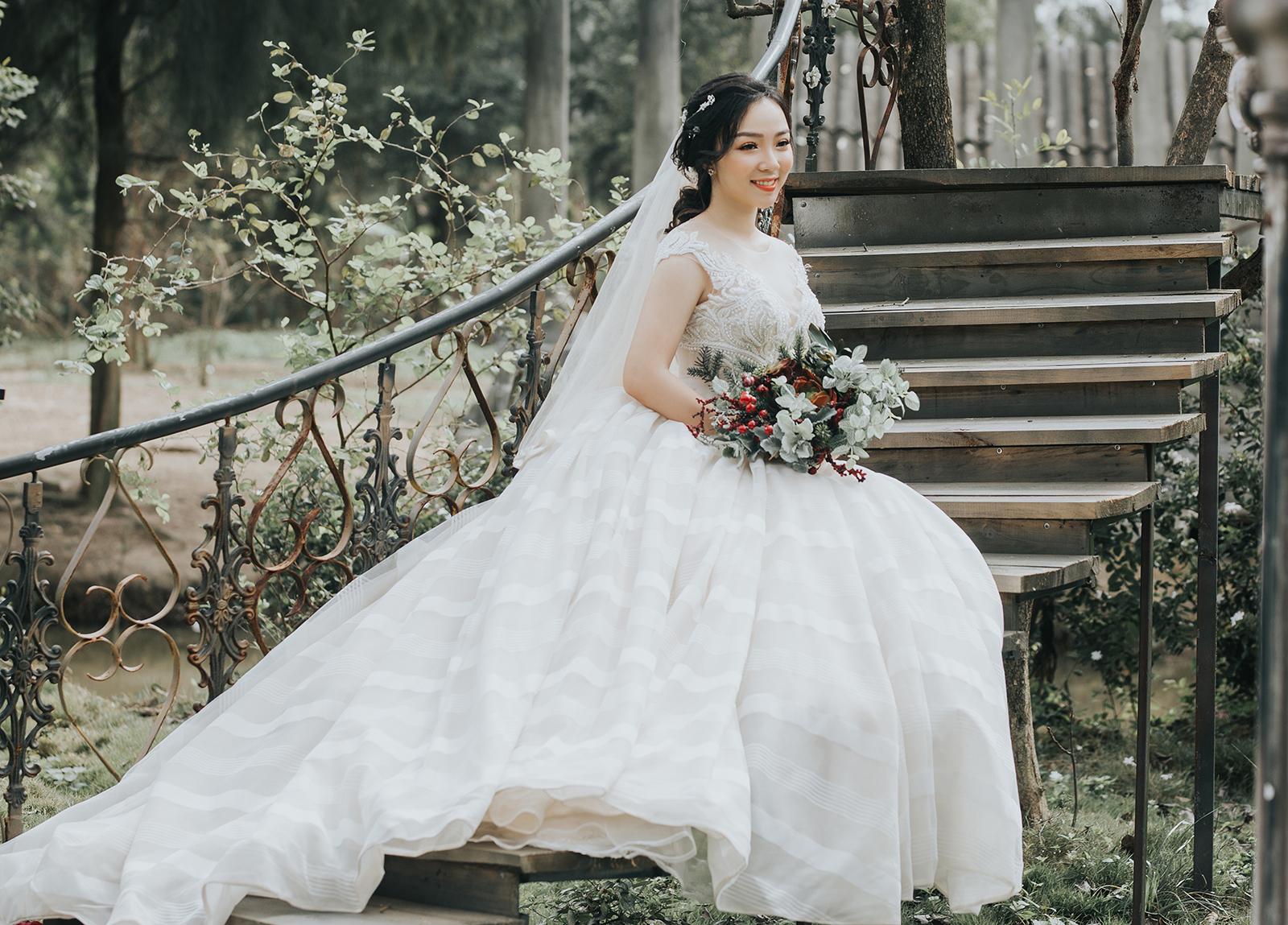 Kinh nghiệm chọn váy cưới cho cô dâu đẹp tự tin tỏa sáng
