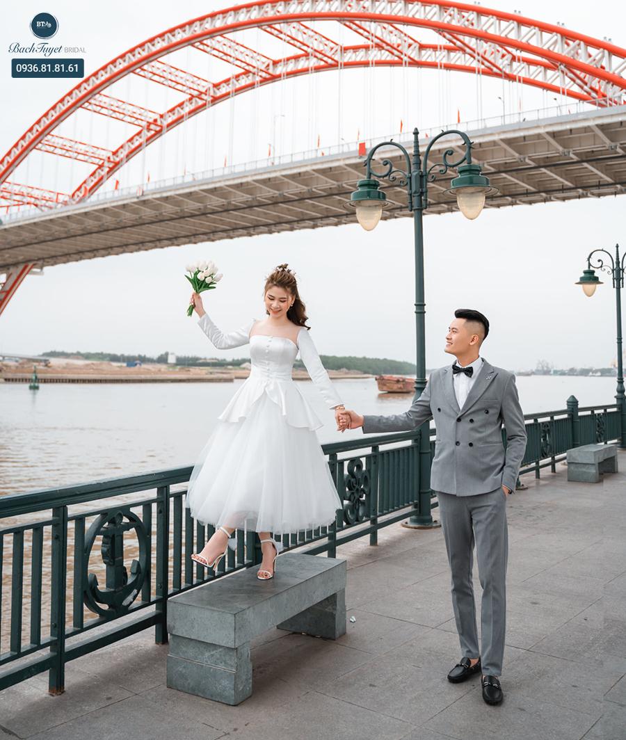 Váy cưới ngắn