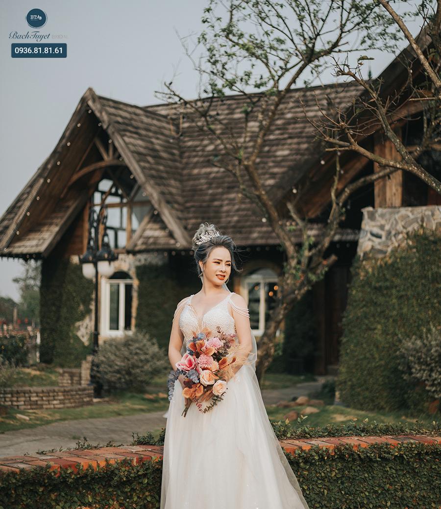 Váy cưới xòe