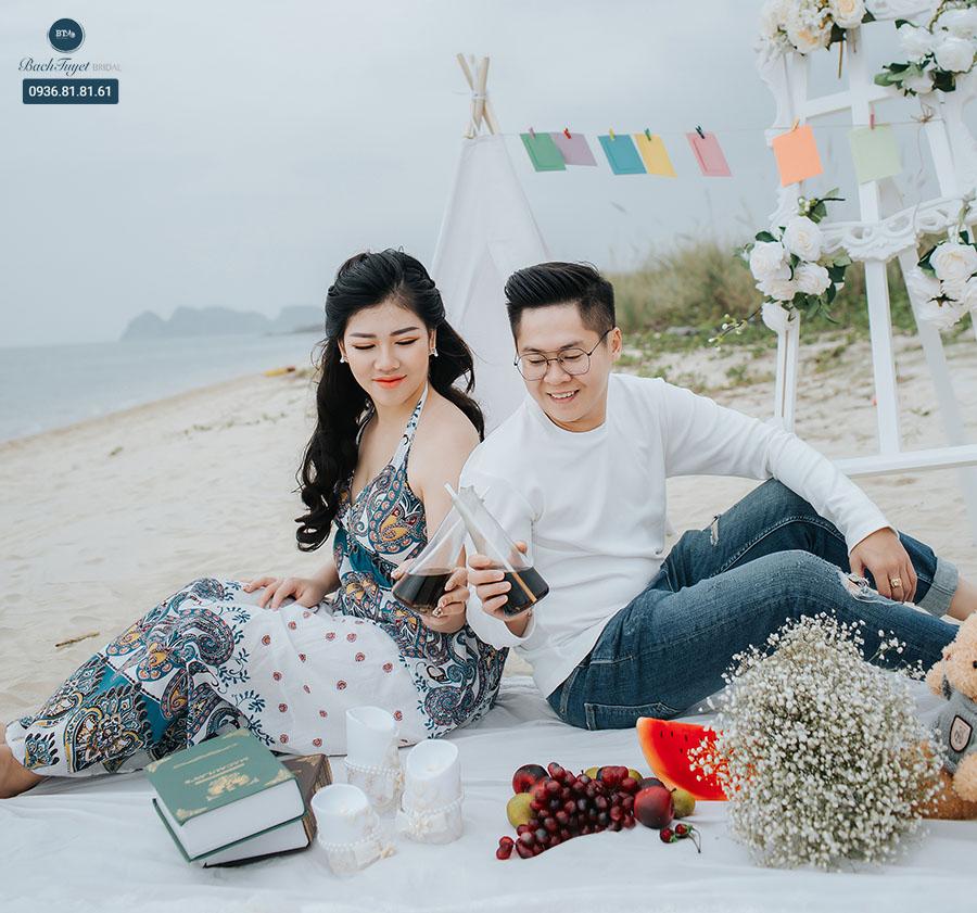 Chụp ảnh cưới ngoại cảnh biển nên mặc gì