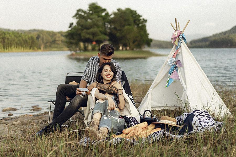 Chụp ảnh cưới concept dã ngoại