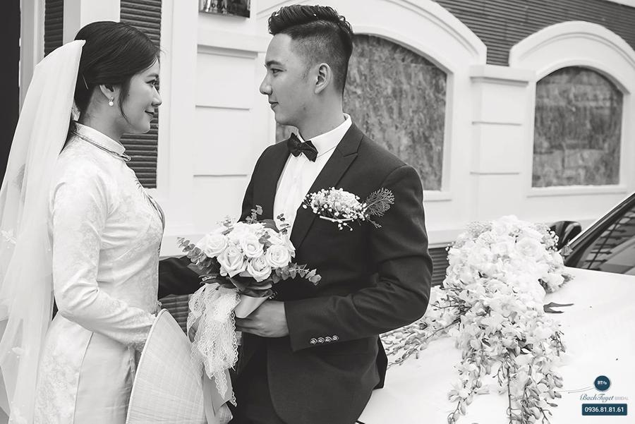 Trang phục phù hợp với cô dâu chú rể