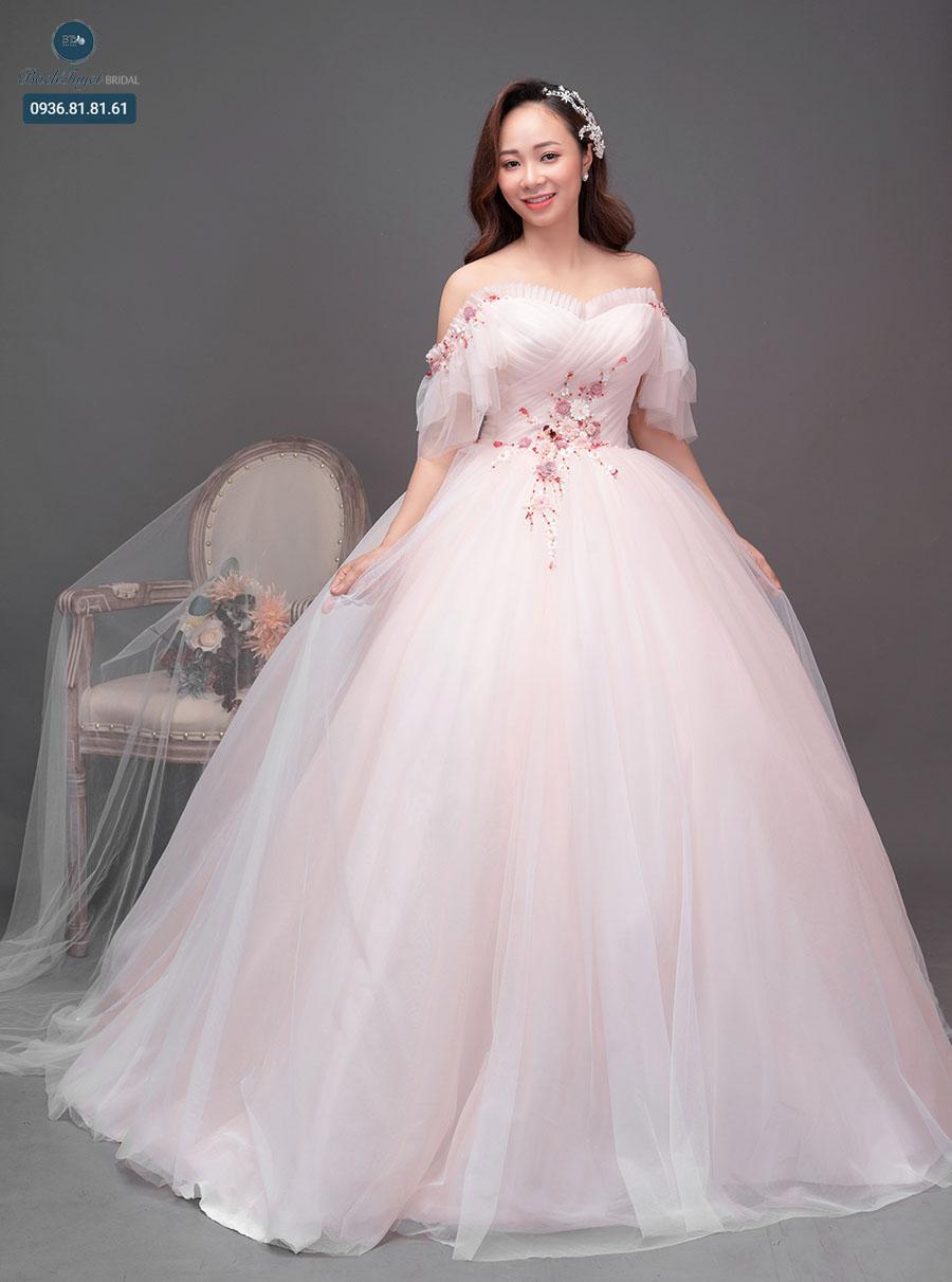 Váy cưới công chúa xòe bồng