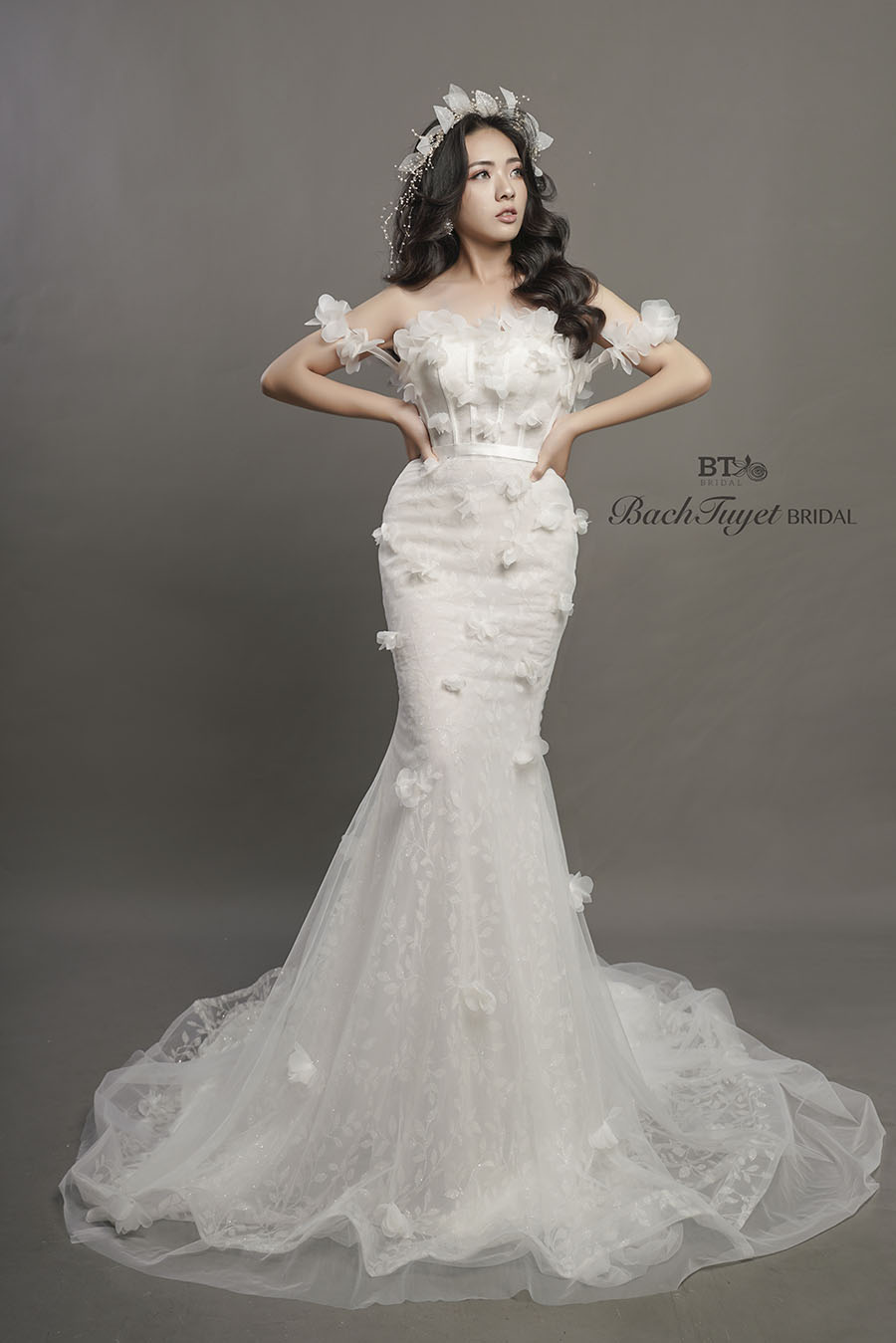 Váy cưới đuôi cá quyến rũ