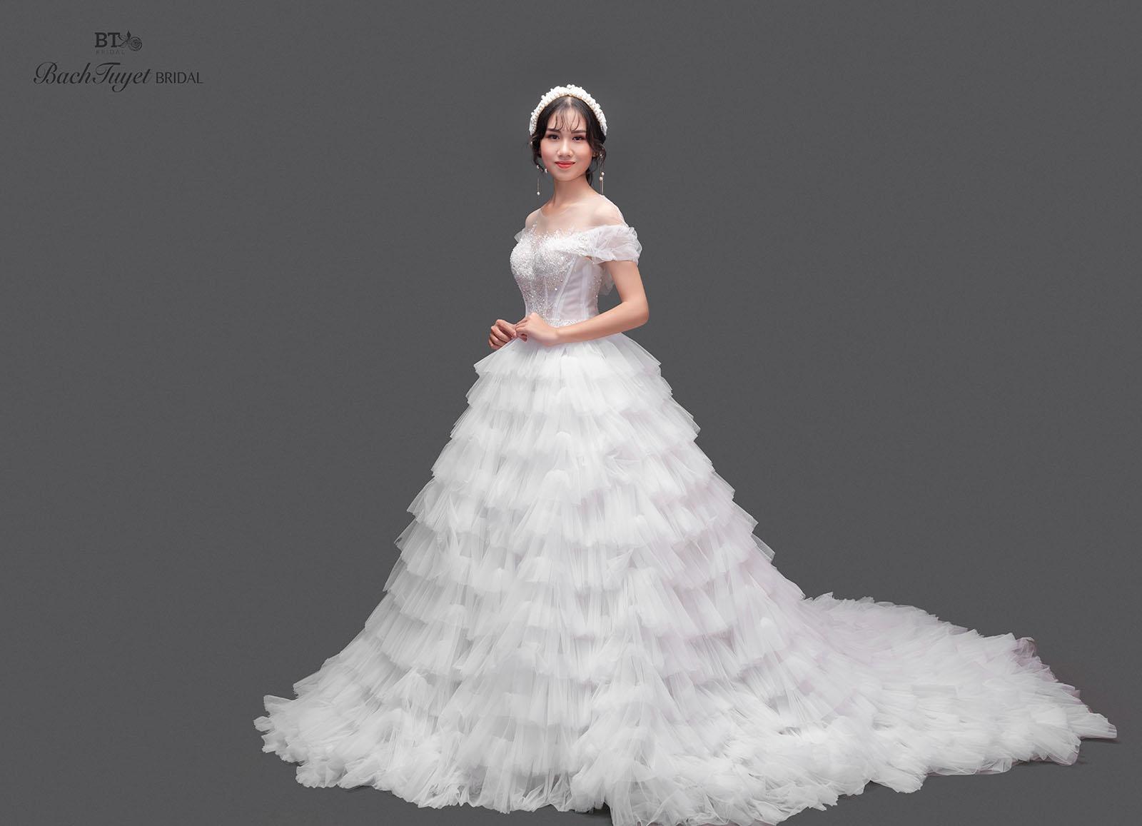 Bắt kịp xu hướng váy cưới mới nhất cho nàng dâu đẹp rạng ngời
